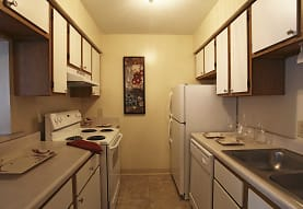 Bay Club Apartments, Willowick, OH
