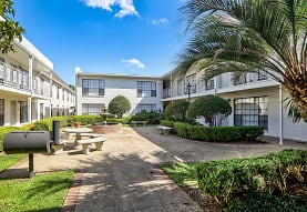 Chateaux Dijon Apartments, Baton Rouge, LA