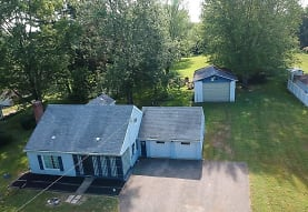 840 Schocalog Rd, Akron, OH