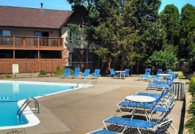 Chateau Knoll Apartments, Bettendorf, IA