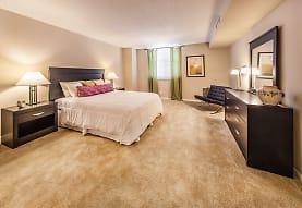 bedroom with carpet, Grandin House