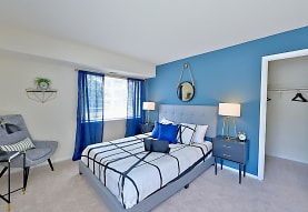 bedroom with carpet and natural light, Mount Vernon Square Apartments