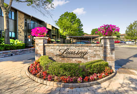 The Essex At Hampton, Rochester Hills, MI