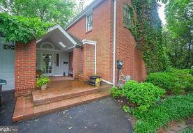2603 Faber Ct, Falls Church, VA