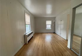 11 Burhans Ave 2, Yonkers, NY