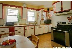 62 Jamaica Rd, Brookline, MA