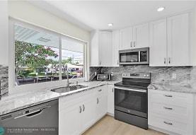 840 SW 7th St, Boca Raton, FL