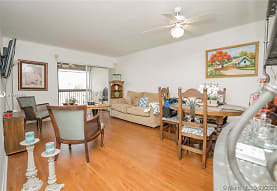 721 N Pine Island Rd 417, Plantation, FL