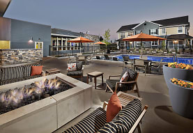 Lucent Blvd Apartments, Highlands Ranch, CO