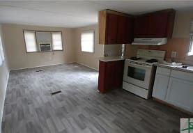 380 W E Smith Rd, Pembroke, GA