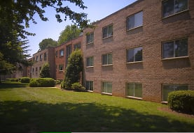 Fairmont Gardens Apartments, Annandale, VA