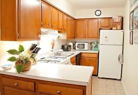 Sandpiper Apartments, Toledo, OH