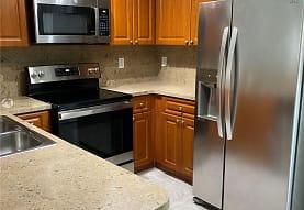 8424 NW 139th Terrace 2702, Hialeah, FL