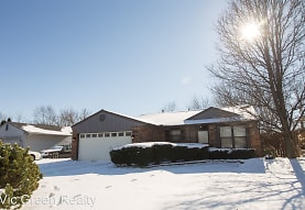 6304 Shull Rd, Huber Heights, OH