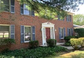 10415 Hopewell Hills Dr, Cincinnati, OH