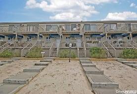 575 Dune Rd, Westhampton Beach, NY