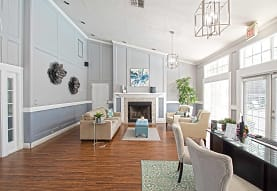 Pinewood Park Apartments, Kissimmee, FL