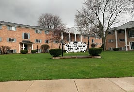 Mackinaw Heights Apartments, Saginaw, MI