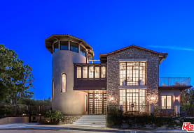 2175 Summitridge Dr, Beverly Hills, CA