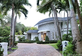 6540 SW 135th Terrace, Pinecrest, FL