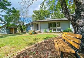 1680 W Cedar St A, Fayetteville, AR