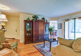 Colony Oaks Apartments, North Brunswick, NJ
