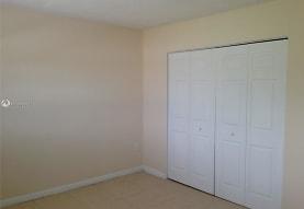 12890 NE 8th Ave 210, North Miami, FL