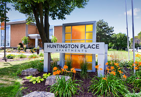 Huntington Place, Minneapolis, MN