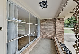 1650 Macmanus Drive, Dallas, TX