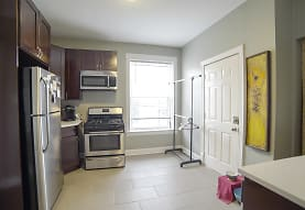 2543 N Springfield Ave 2, Chicago, IL
