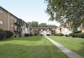 Lafayette Village, Parma Heights, OH