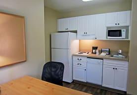 Furnished Studio - Pleasanton - Chabot Dr., Concord, CA
