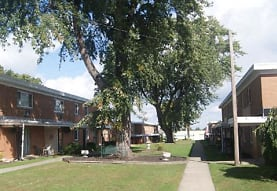 Cedarwood Apartments, Willoughby, OH