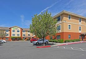 Furnished Studio - Sacramento - Vacaville, Vacaville, CA