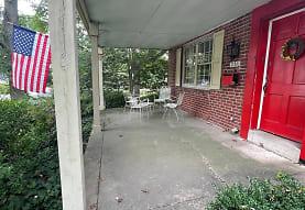 231 E Manoa Rd, Havertown, PA