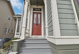 1241 Regent St, Alameda, CA