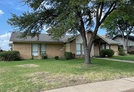 1509 Northland St, Carrollton, TX