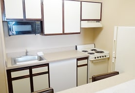 Furnished Studio - Cleveland - Middleburg Heights, Middleburg Heights, OH