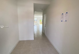 25255 SW 107th Ct, Homestead, FL