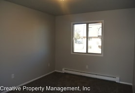2612 4th St NW, Minot, ND