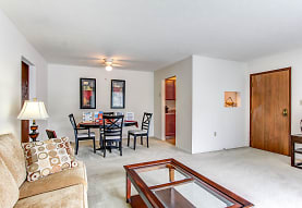 Walnut Hill Apartments, North Royalton, OH