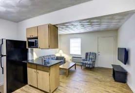 Oakwood Crest Furnished Apartments, Euless, TX
