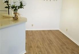3350 Pinewalk Dr N 1426, Margate, FL