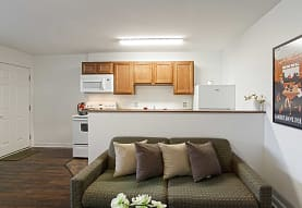 Woodworth Park Apartments, North Lima, OH