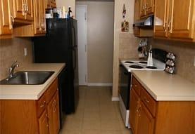 North Hills Apartments, LLC, Colonia, NJ