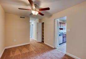 Oakton Park Apartments, Fairfax, VA