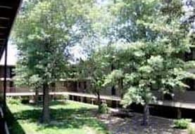 Arapahoe Village, Lincoln, NE