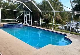 2462 Flamingo Rd, Palm Beach Gardens, FL
