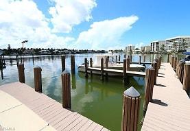 222 Harbour Dr 105, Naples, FL