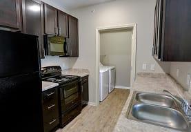 Brook Pointe Apartments, Lafayette, LA